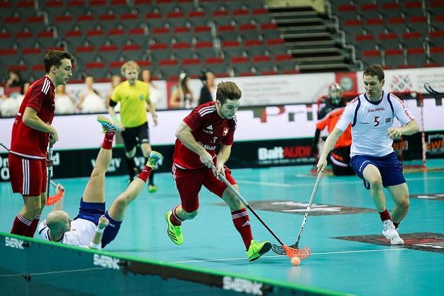Norjalaistähti Ketil Kronberg (nro. 5) saapui MM-turnaukseen sangen erikoisella tavalla. Kuva: IFF