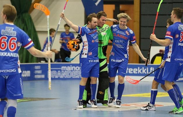 Jussi Pihan (nro. 16) jatkoaikamaali johdatti Classicin Suomen Cupin finaaliin. Kuva: Esa Takalo