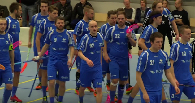 Anton Kallvik (#92) iski Blue Foxille neljä osumaa. Kuva: Kuvakaappaus videolta.