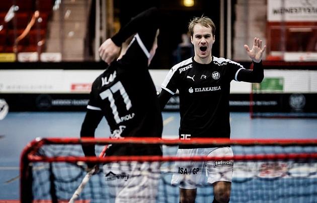 TPS kaatoi M-Teamin kotikentällään maalein 4-2. Kuva: Anssi Koskinen